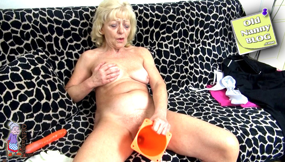 angie carlson sexy ass